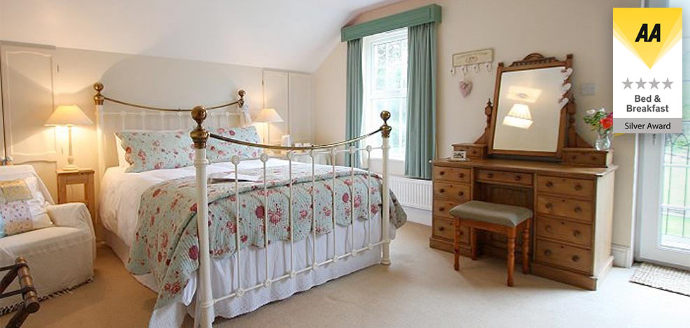 Lobhill Bed & Breakfast and Self Catering Holiday Cottage Offers Devon, UK