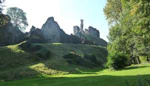 okehampton castle two castles trail