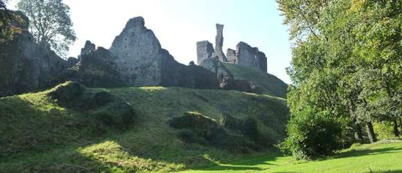 okehampton castle two castles trail